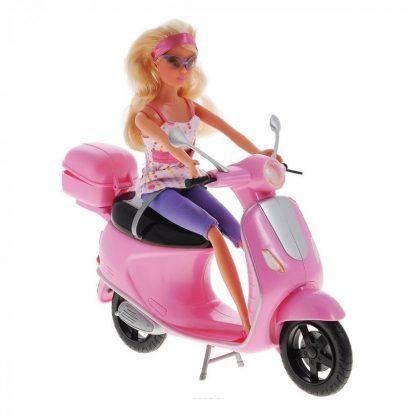 Штеффи Прогулка на скутере